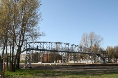 Vėl žadamas naujas tiltas per geležinkelį