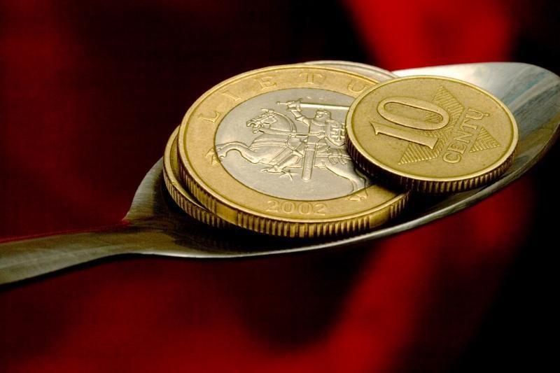 Išlaidos socialinei apsaugai 2010 metais sumažėjo 7 proc.
