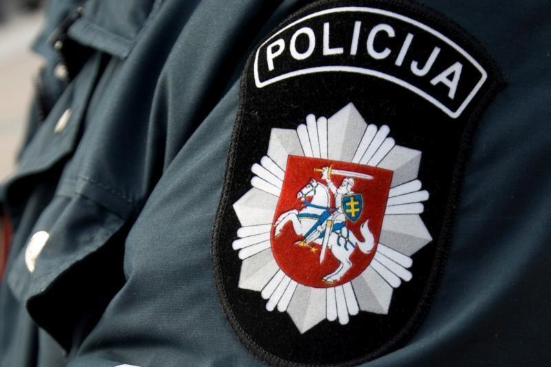 Rokiškio rajone smurtautojas peiliu užpuolė policininką