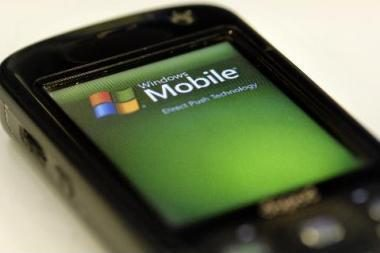 """""""Windows Phone 7"""" paleidimas kainuos milijardą dolerių"""