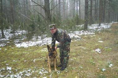 Šuo rado pasiklydusią moterį