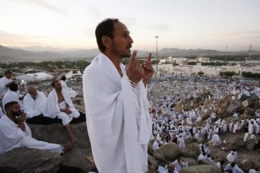 Musulmonų maldininkai hadžo ritualus pradėjo be jokių incidentų