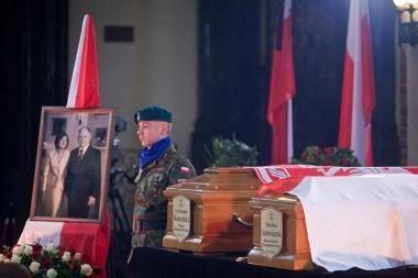 Lenkijos pirmosios poros palaikai atgabenti į Krokuvą