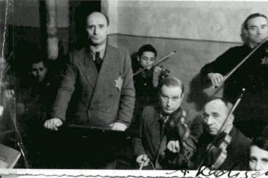 Didžioji Britanija sako atidžiai sekantį procesą dėl kompensacijos už žydų turtą Lietuvoje
