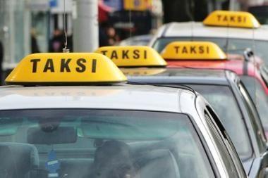 Per šventes išsikviesti taksi Vilniuje - misija neįmanoma
