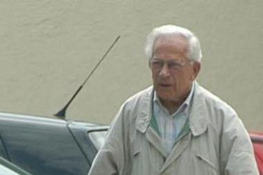 Nyderlandai paskelbė arešto orderį Vokietijoje gyvenančiam nacių nusikaltėliui