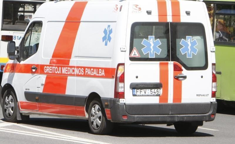 Sostinės pėsčiųjų perėjoje partrenkta moteris išvežta į ligoninę
