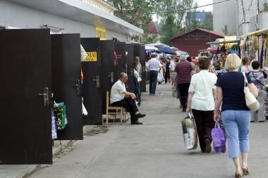 Kalvarijų turgus: vėl įkliuvo prekeiviai kontrabandiniais rūkalais