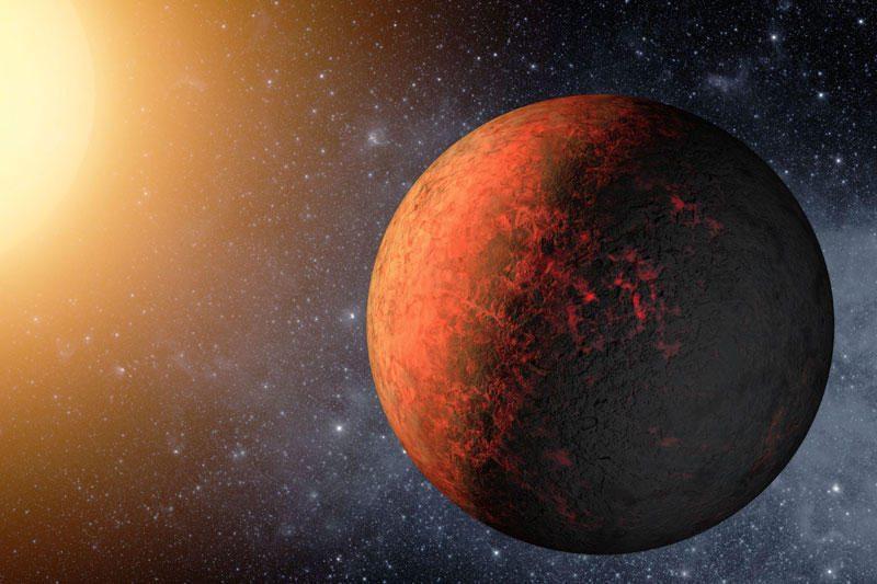 Vasaris - palankus mėnuo planetų stebėjimui