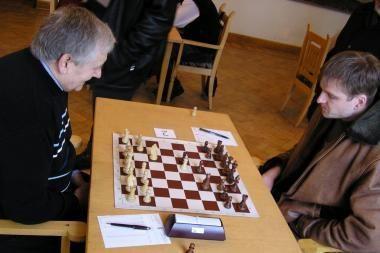 Šachmatų lygos lyderiai sužaidė lygiosiomis