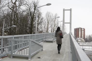 Už pėsčiųjų tilto apšvietimą ir šildymą elektra – beveik 24 tūkst. litų sąskaita