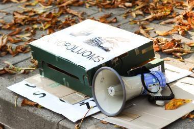 Prie Danijos ambasados vyko piketas prieš danų verslininkų daromą žalą Lietuvos gamtai