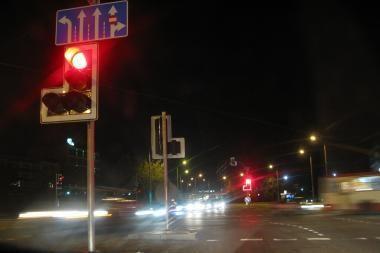 Vienas automobilis partrenkė du vyrus