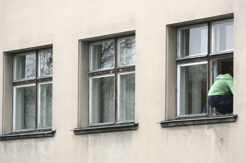 Panevėžio ligoninėje pro langą iššoko ir mirė pacientė
