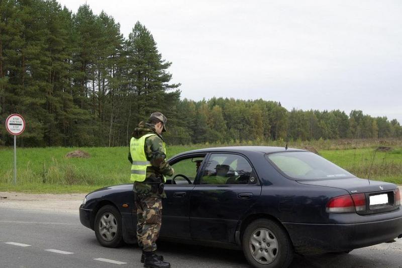 Pasieniečiai sulaikė girtutėlį vairuotoją, neturintį jokių dokumentų