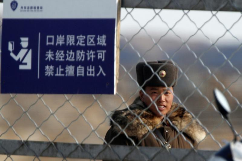"""Pietų Korėjos lyderė žada """"stiprų"""" atsaką Šiaurės Korėjai"""