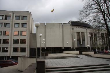 Vyriausybei siūloma netrukdyti ministrų savireklamai