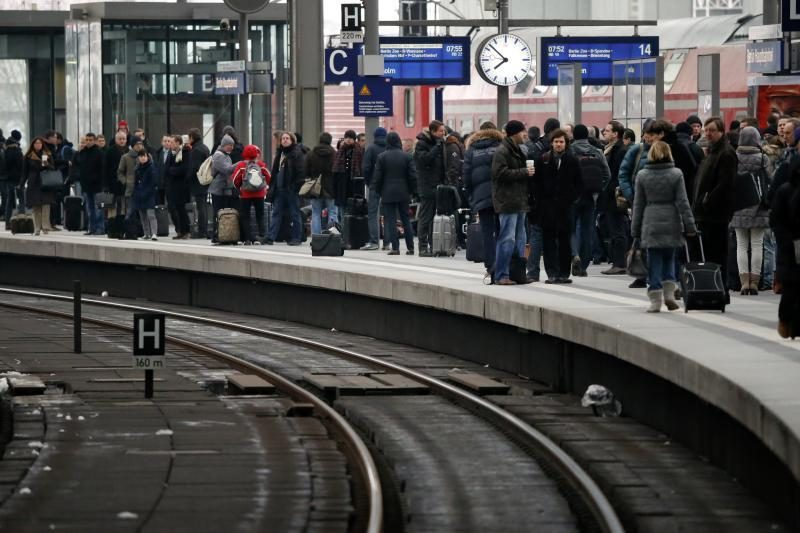100 kg sprogmuo paralyžiavo Berlyno centrinės traukinių stoties darbą