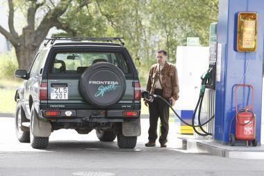Benzino ir dyzelino kainos nukrito nežymiai