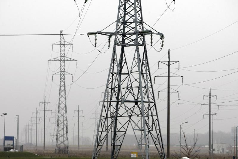 Dėl rusų eibių - elektra Lietuvai už trigubą kainą