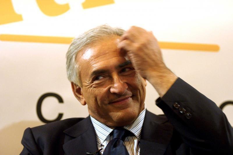 """D.Straussas-Kahnas dėl sekso skandalo kaltina """"politinius priešus"""""""