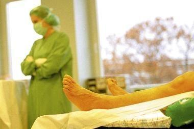Klaipėdietis pabėgo su kateteriu kakle