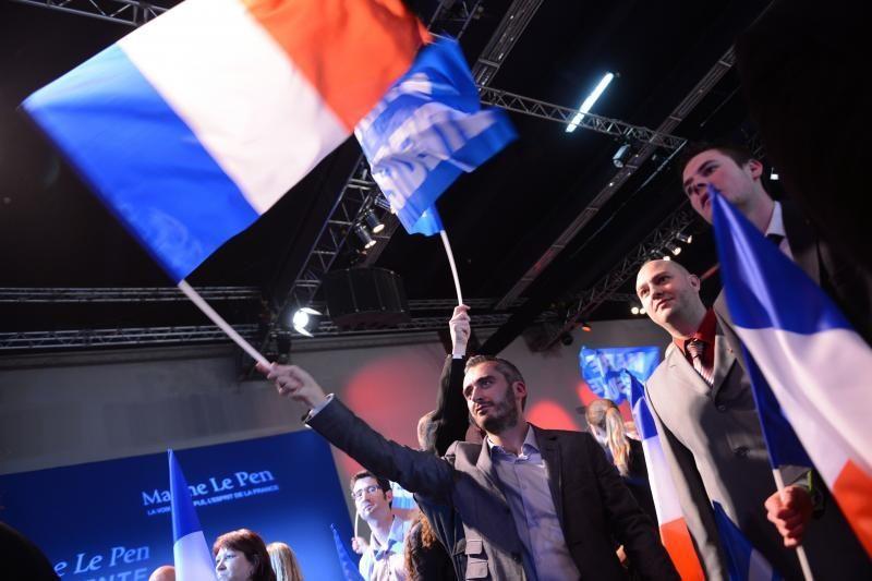 Socialistai laimėjo absoliučią daugumą Prancūzijos parlamente