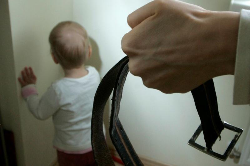 Vaikų namų auklėtinis: turėjau stebėti, kaip auklėtoja maudosi nuoga