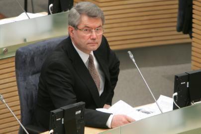 Seimas panaikino V.Muntiano neliečiamybę