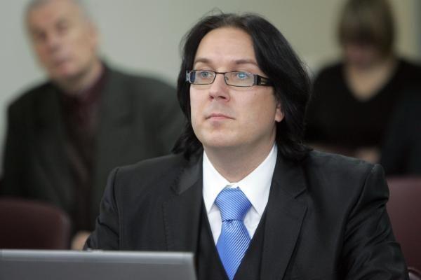 Būsimas parlamentaras A.Burba išbrauktas iš VRK