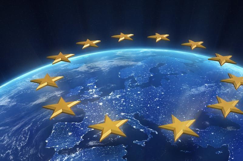 J. Delors'as: Britanija turėtų palikti ES