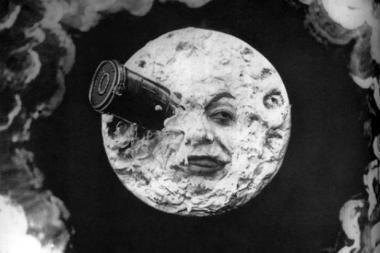 Japonai siūlo Mėnulį apjuosti žiedu