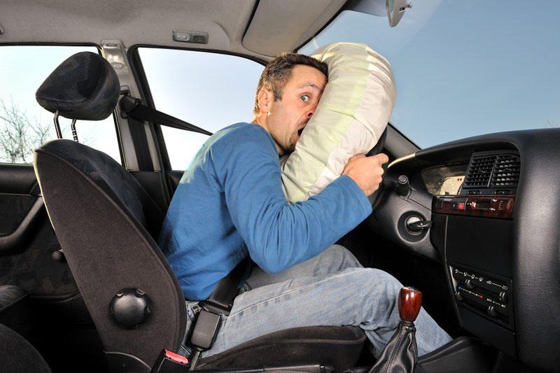 Automobilio saugos pagalvė telefoną paverčia mirtinu ginklu
