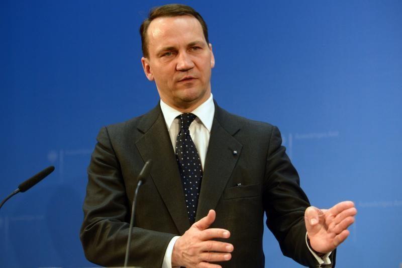 Lenkijos ministras R. Sikorskis: Sausio 13-ąją visi buvome lietuviai