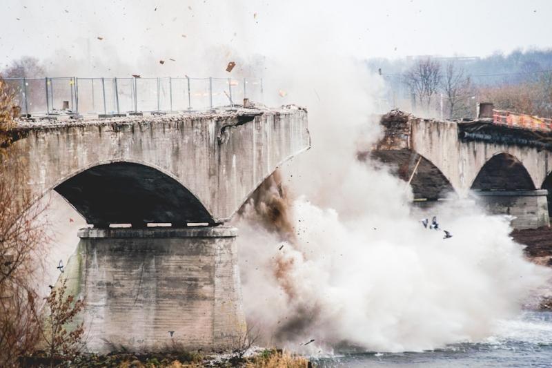 Prie Panemunės tilto bus sodinamas ąžuolas ir renkami parašai valdžiai