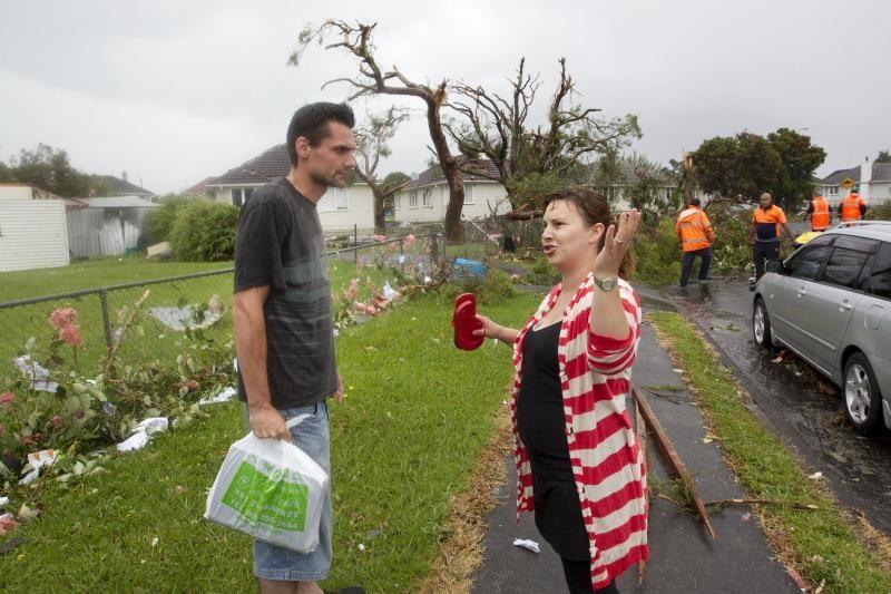 Naujojoje Zelandijoje viesulas nusinešė trijų žmonių gyvybes