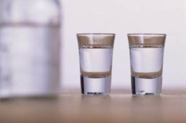 Medikų pagalbos prireikė alkoholio padauginusiems vyriškiams