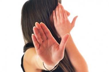 Vyriausybė norėtų smurtautojus šeimoje vyti lauk iš namų