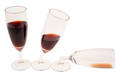Ketvirtis lietuvių perka alkoholį ir po 22val.