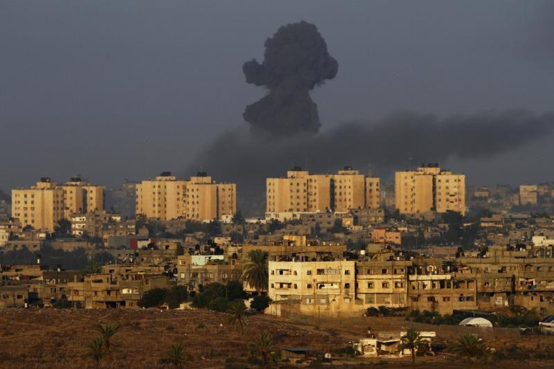Izraelio smūgiai Gazos Ruože jau nusinešė 80 žmonių gyvybių