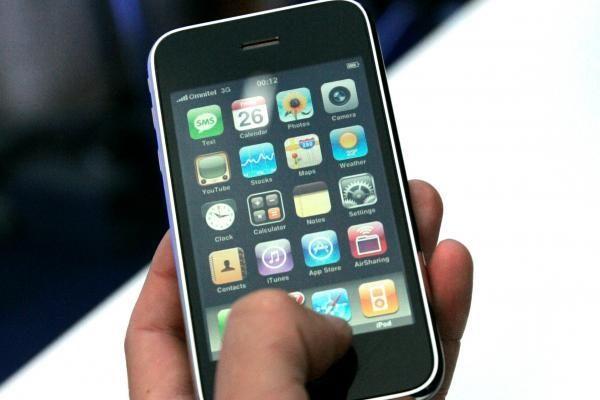Valdininkai nuo brangių SMS mobiliojo ryšio klientų neapsaugo