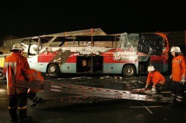 Vokietijoje sudegus autobusui žuvo 20 žmonių