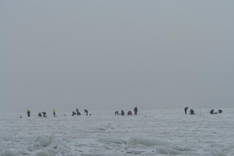Kuršių mariose išgelbėti 6 ant ledo lyties atsidūrę asmenys