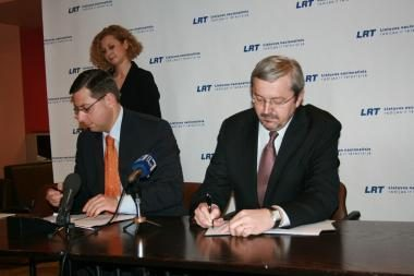 """Pasirašyta sutartis dėl """"Dainų dainelės"""" transliavimo"""