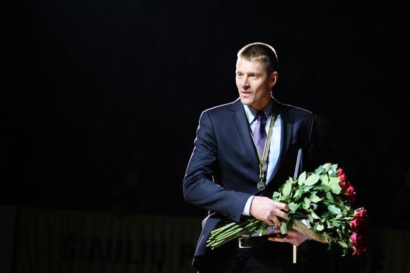 M. Žukausko marškinėliai - Šiaulių arenos palubėse (komentaras)
