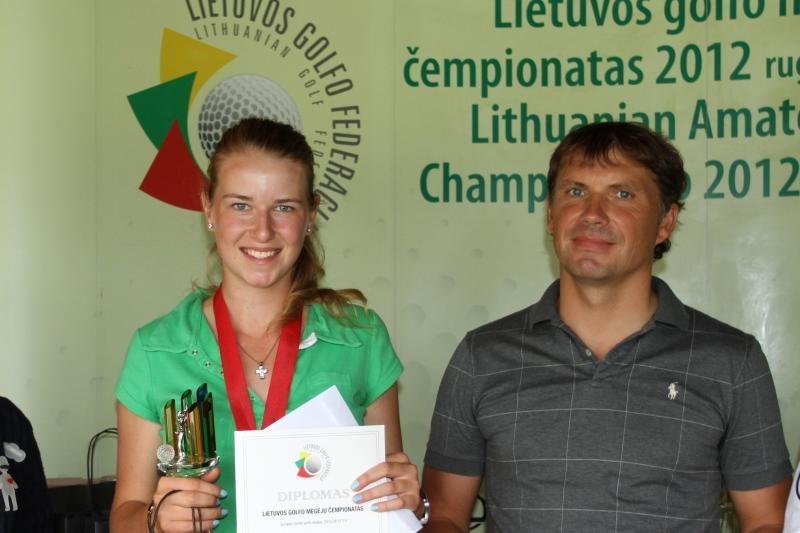 Lietuvos golfo mėgėjų čempionai – M.Rusteikaitė ir J.Budrikis
