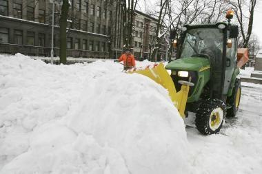 Su sniegu kovoja kiaurą parą