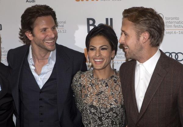 B. Cooperis ir R. Goslingas varžėsi, kuris seksualesnis