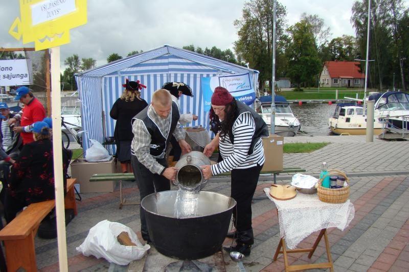 Žuvienės virimo čempionate – daugiau nei 1000 litrų sriubos
