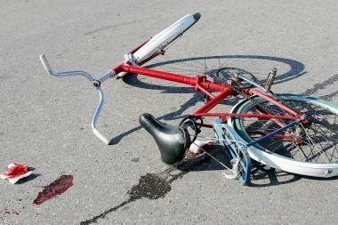 Žuvo partrenktas dviratininkas